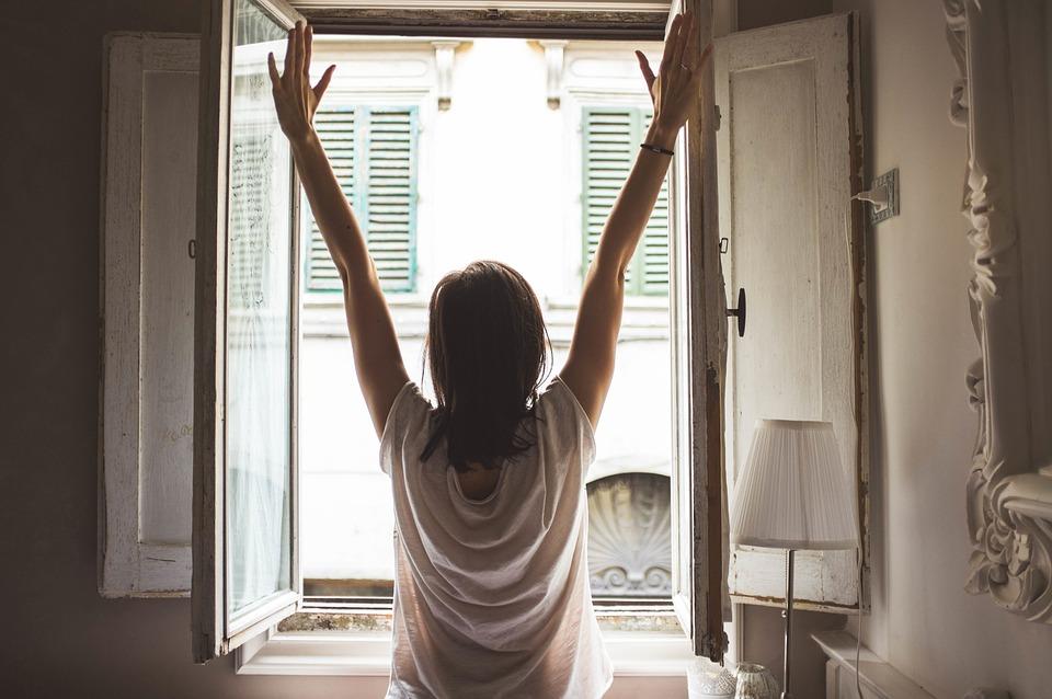 10招伸展動作 起床神清氣爽更健康