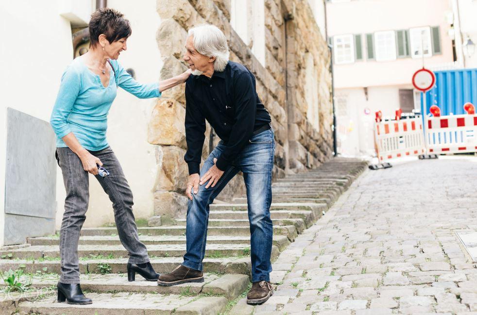 早起膝蓋喀喀響 退化性膝關節炎大解析